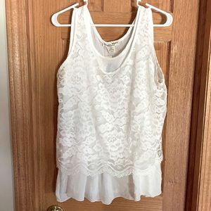 Studio West Apparel NWT Lace Top